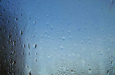Condensa sui vetri: 4 trucchi per evitarla