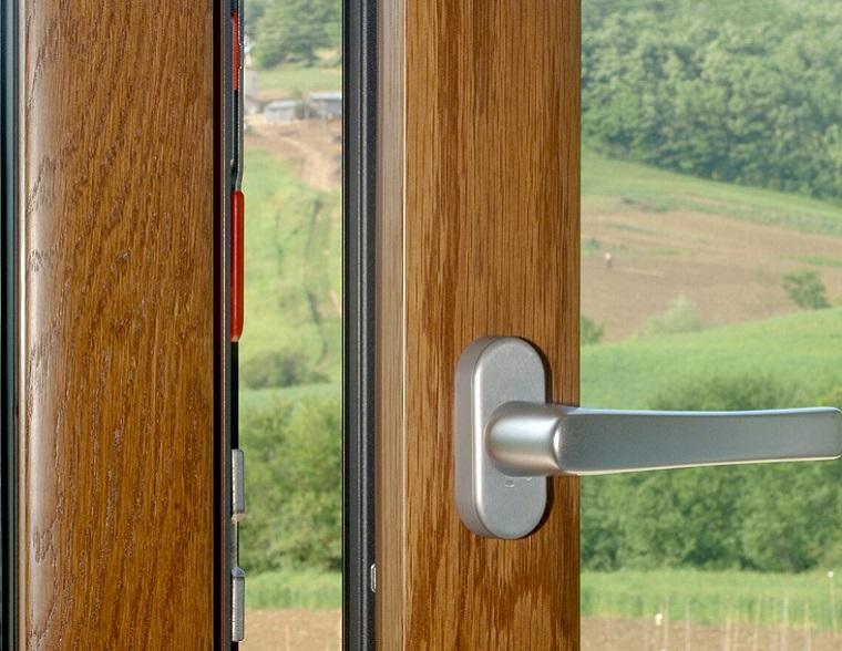 Consigli per scegliere la maniglia adatta alla tua finestra